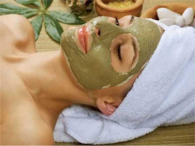 Глина для лица, применение различных масок из глины. Фото